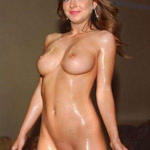 Busty curvy pale nude