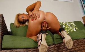 Nude pregnant women spread legs