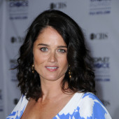Robin tunney has ever posed nude