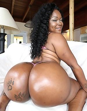 Big black woman nude ass