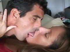 Kiss on bobs xxx