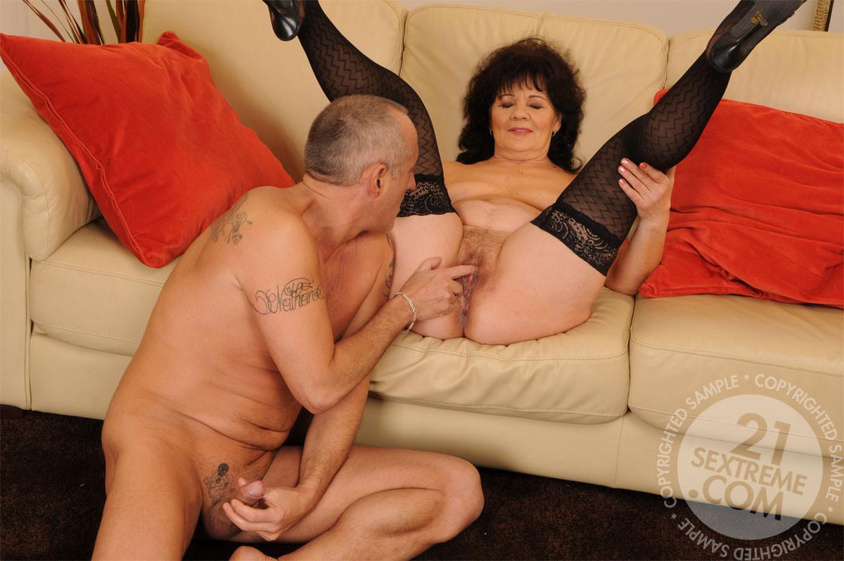Mature older women fucking porn