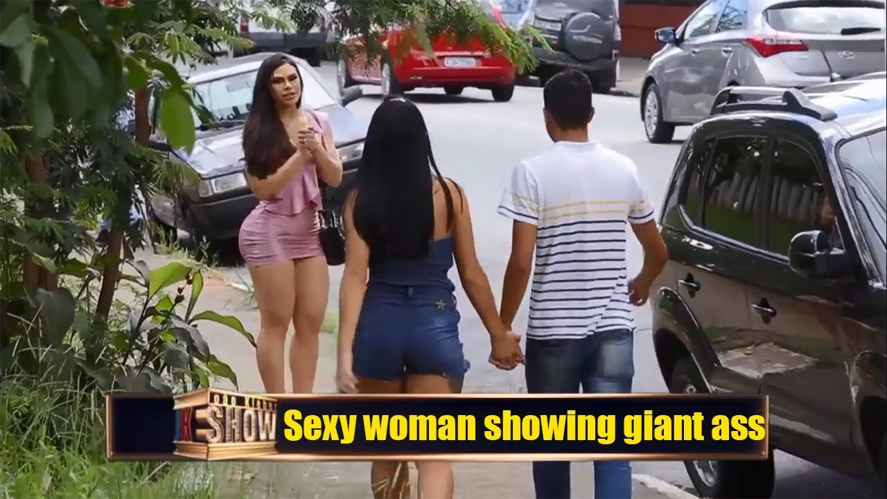 A ass with girl giant