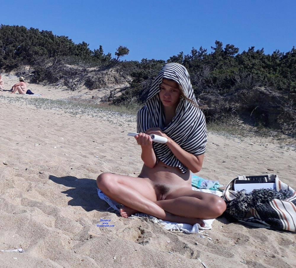Hairy nude beach pussy
