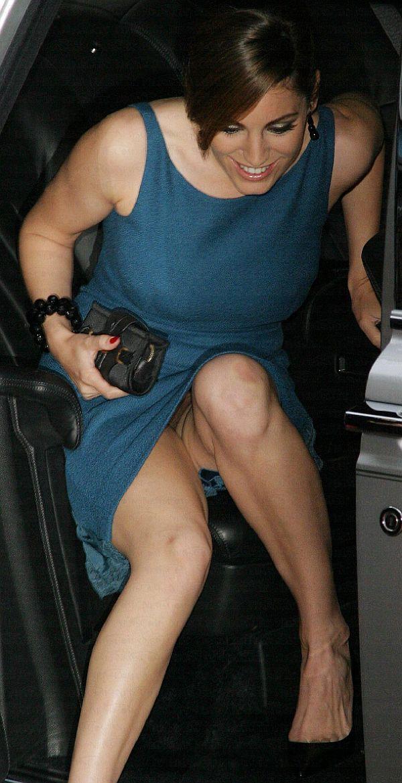 Upskirt real no panties