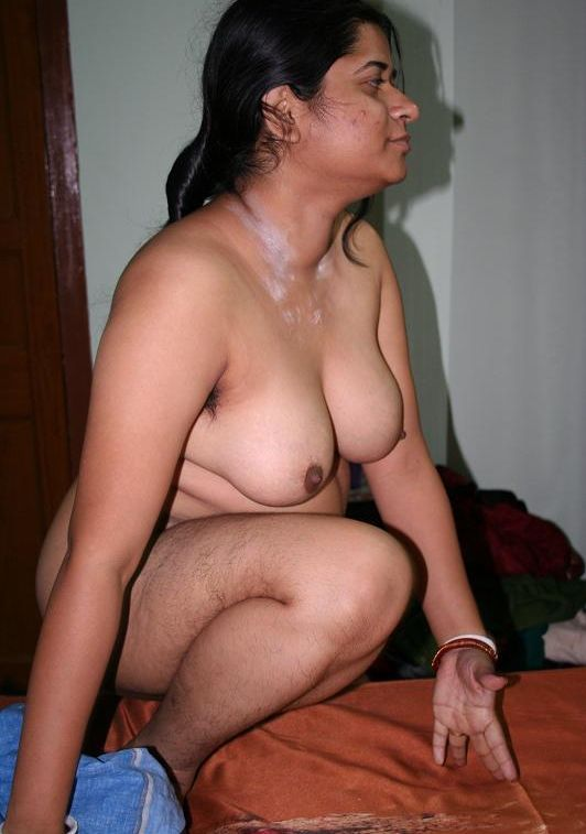 Hot and sexy nude aunt