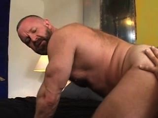 Big muscle bear daddy cock