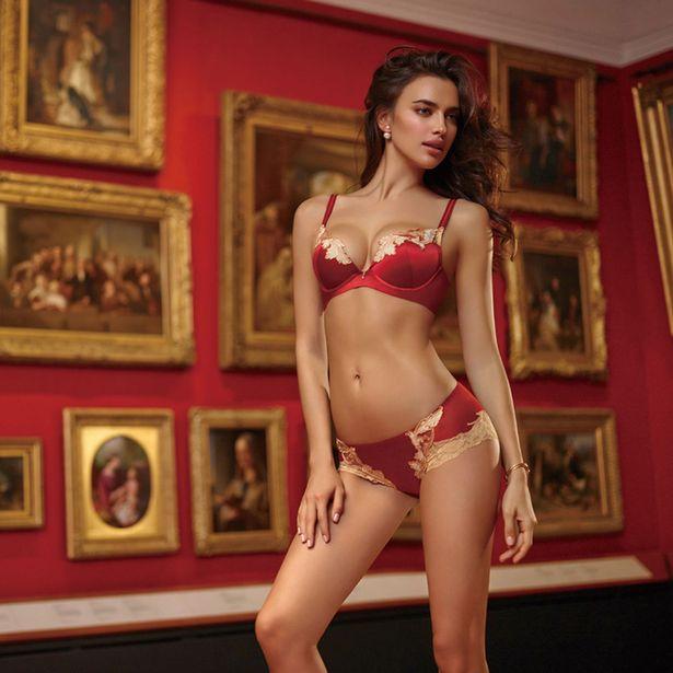 Smoking hot lingerie models