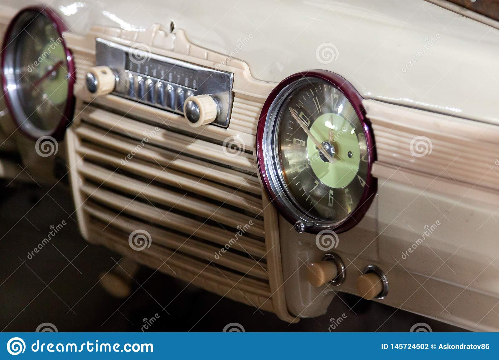 Vintage car radio restoration