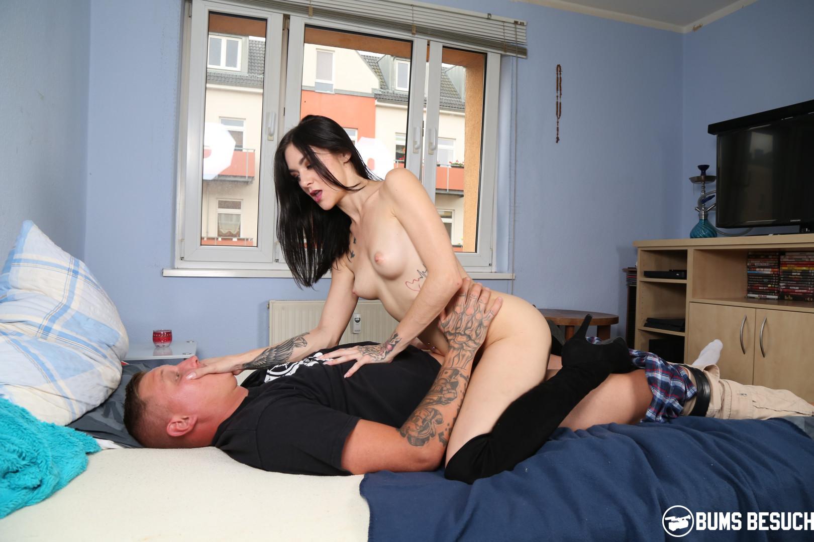 Sexy amateur brunette porn star