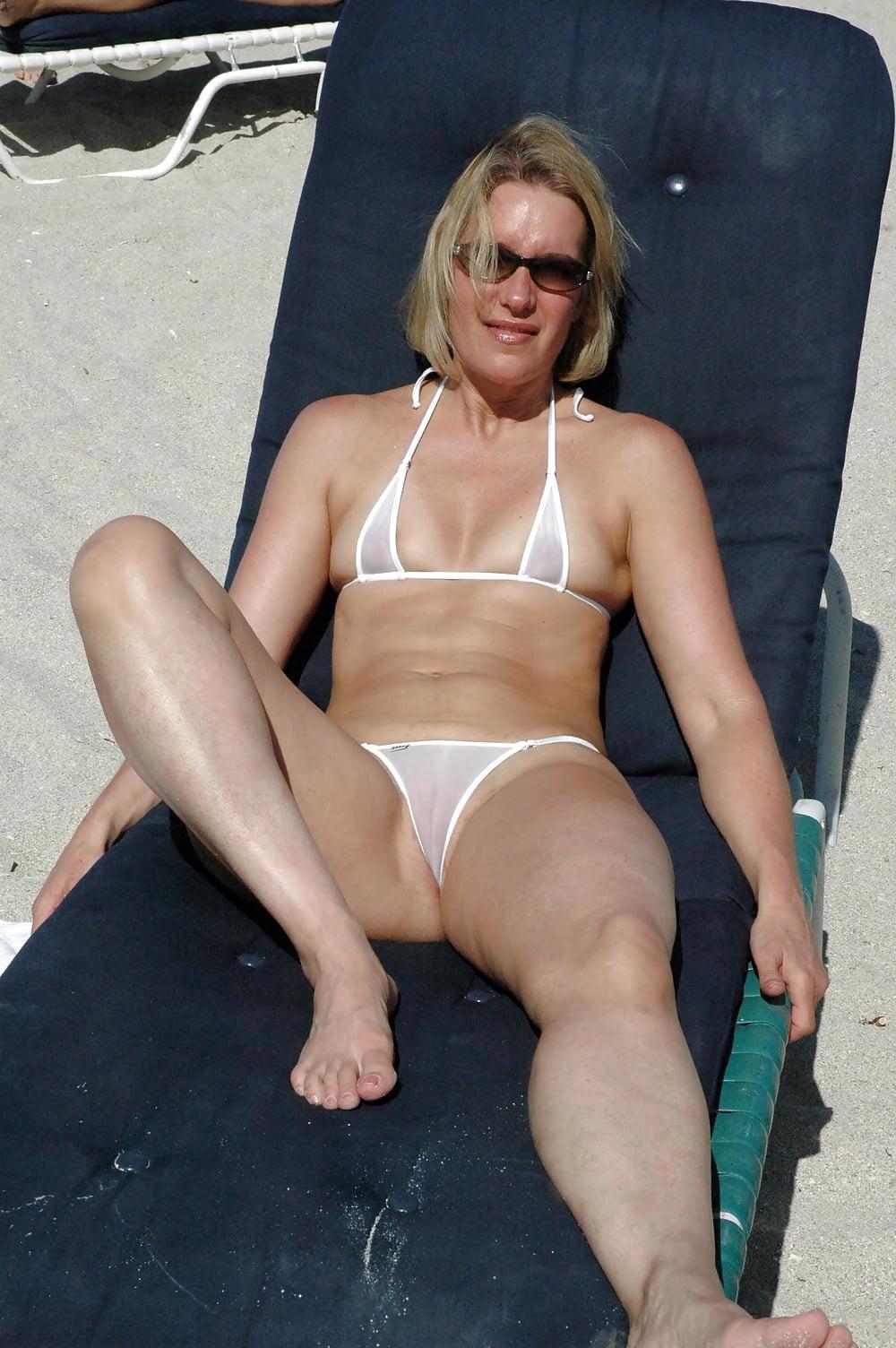 Sexy mature milf bikini