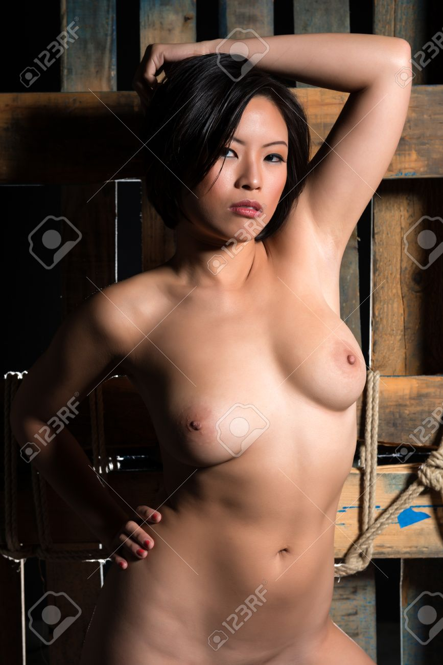 Nude chinese women model