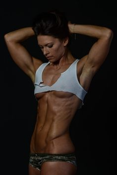 Fit nude girls with abs
