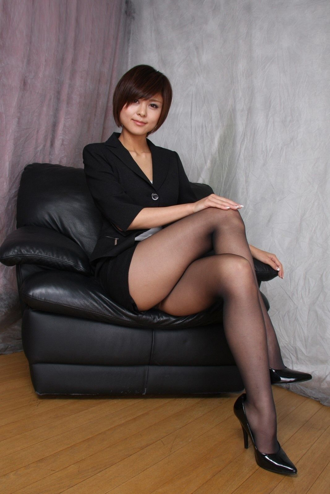 Sexy asian girl stockings legs