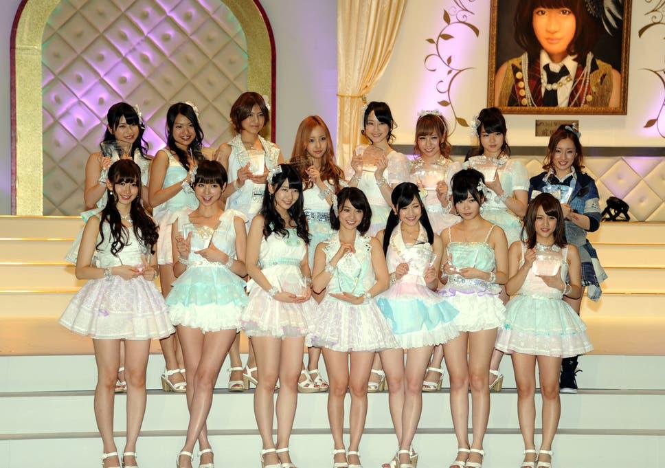 Topless japanese teen models