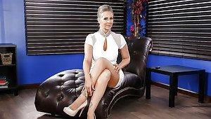 Brunette italian woman nude