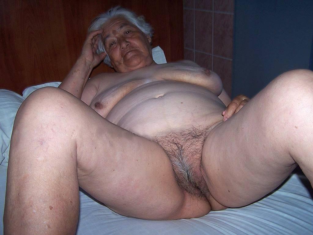 Www naked fat america older