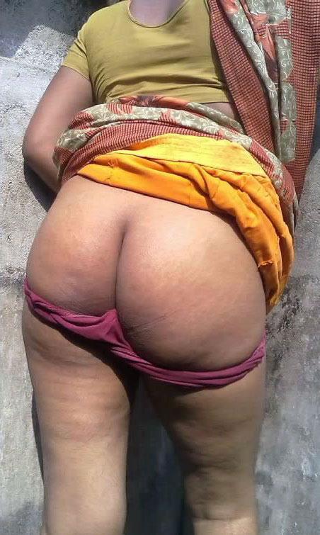 Sexy big soothu tamil aunty