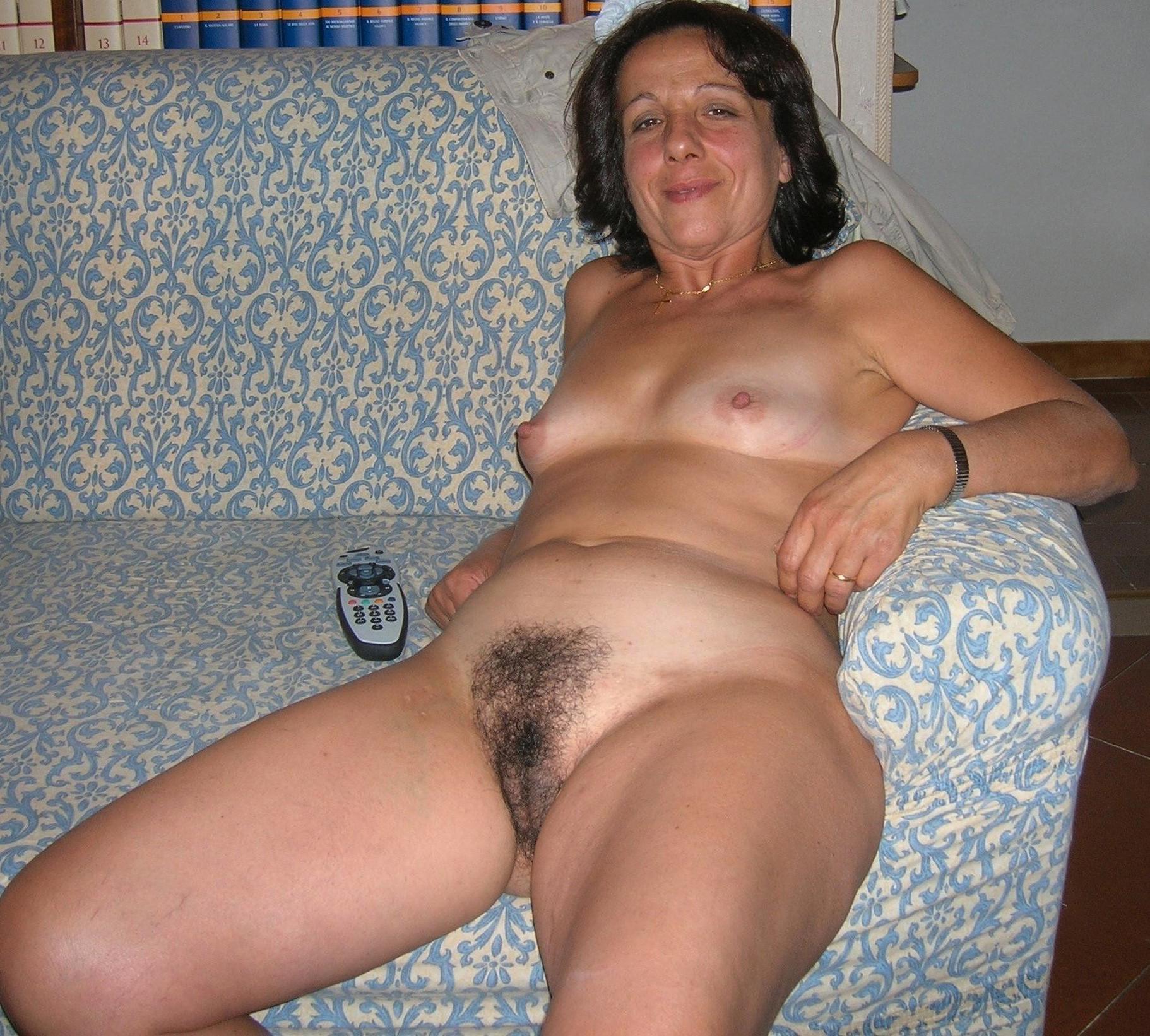 Nude hairy amateur women