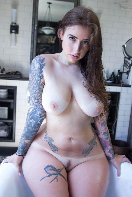 Tattoo chubby girls pussy