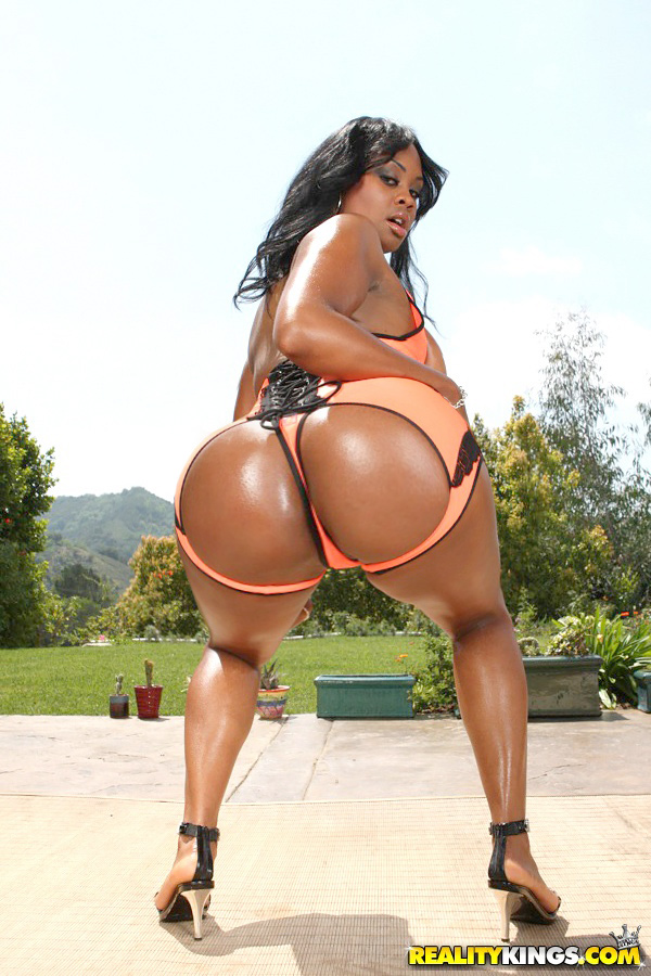 Black sexy pussy and big ass