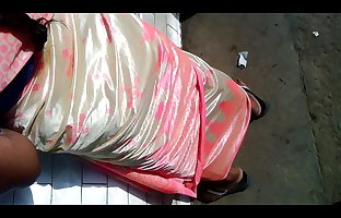 Dick saree aunty back