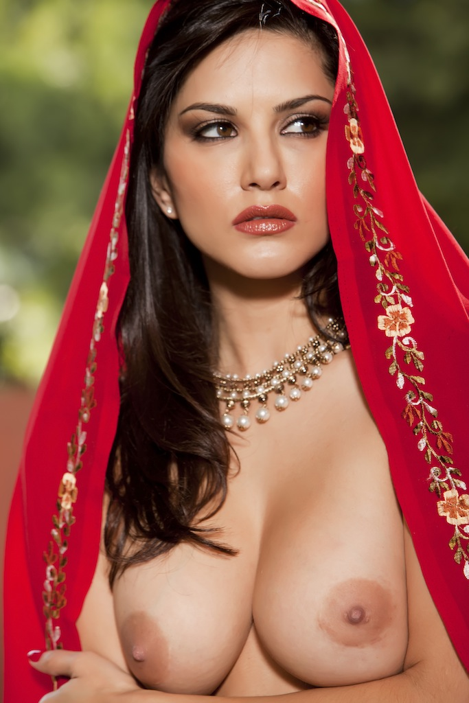 Sunny leone red saree sex