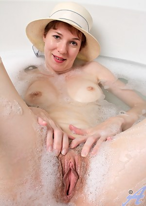 That wet pussy mature