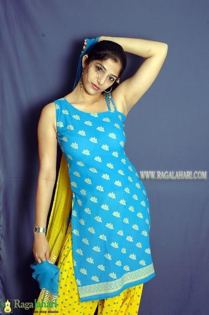 Indian teens hairy armpits pictures