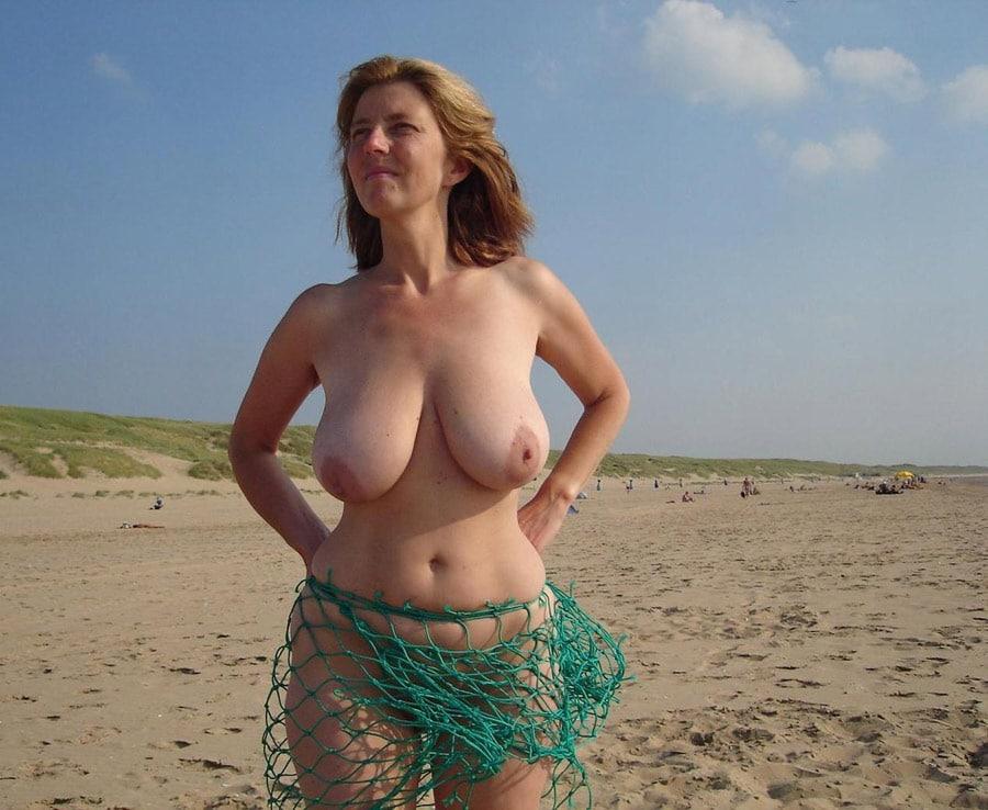 La femme nue plage