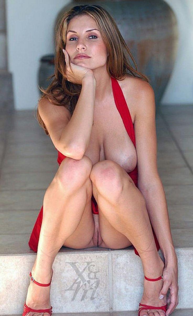 Mature women upskirt no panties