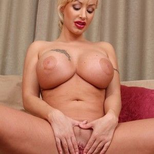 Teen blonde shaved naked pussy