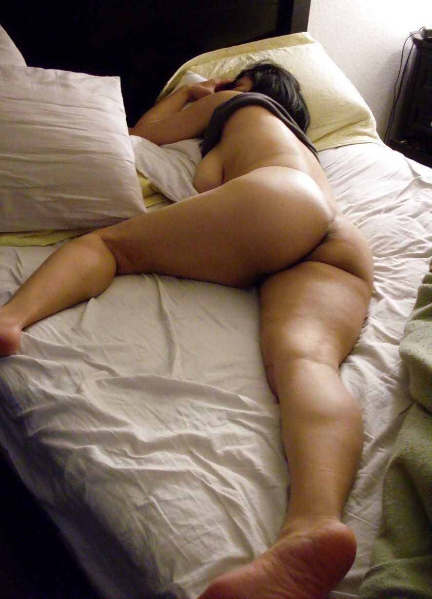 Sleeping big nude girl booty