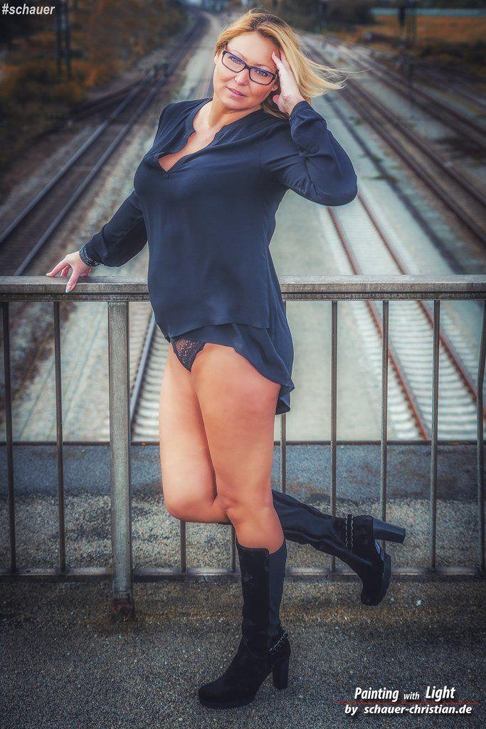 Milf flickr. com busty nude