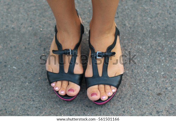 Pretty black girl feet
