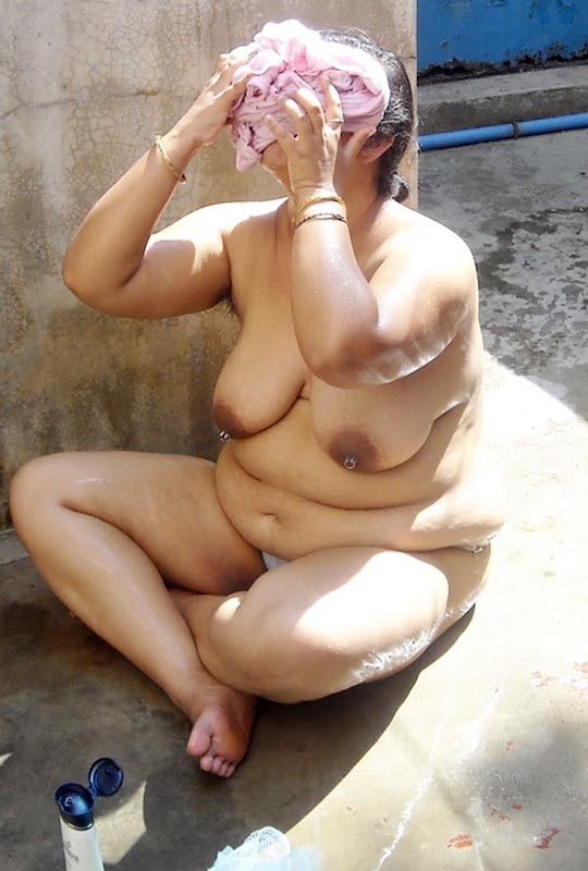 Desi old aunties nude pics