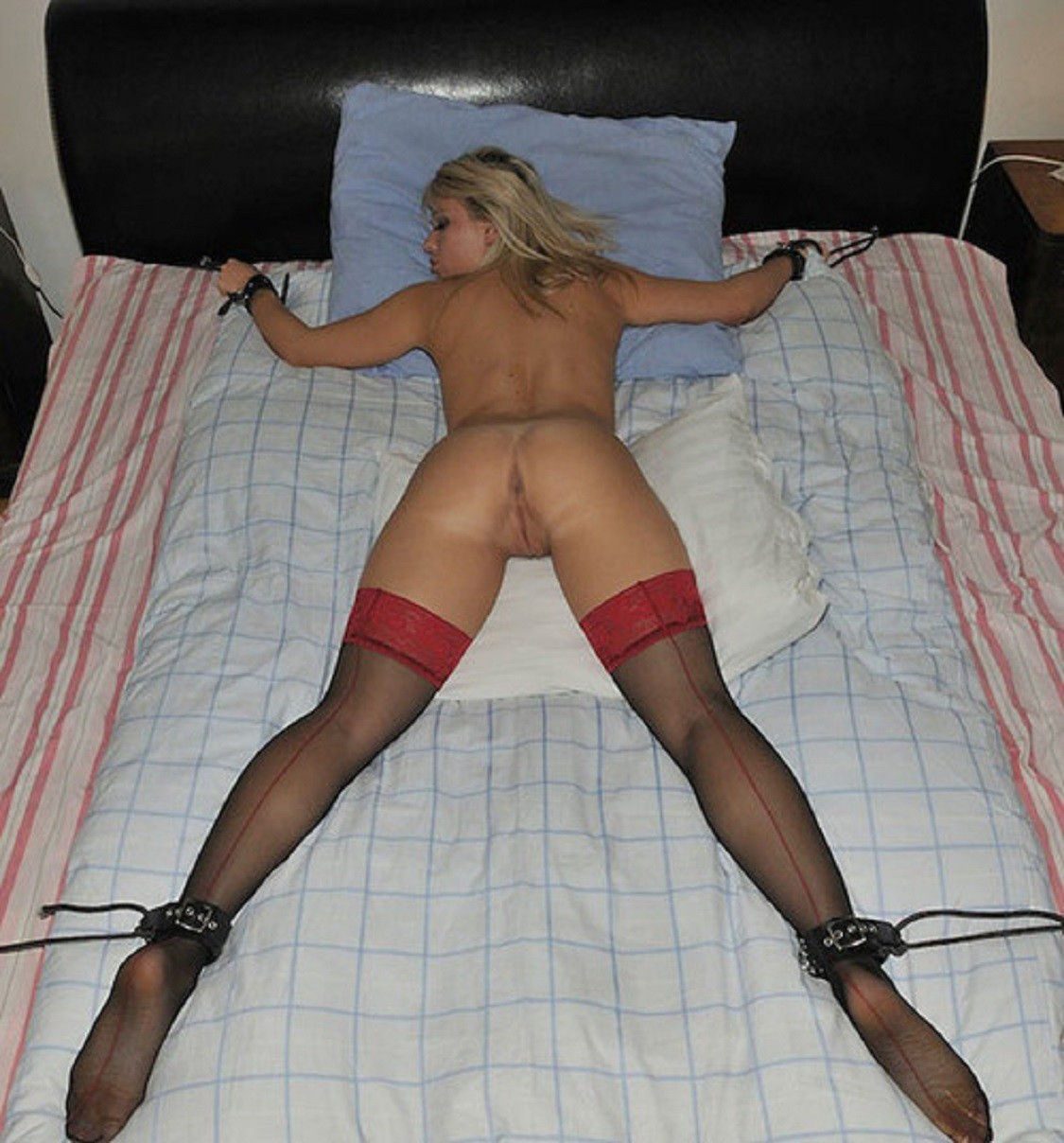 Fuck my tied up wife