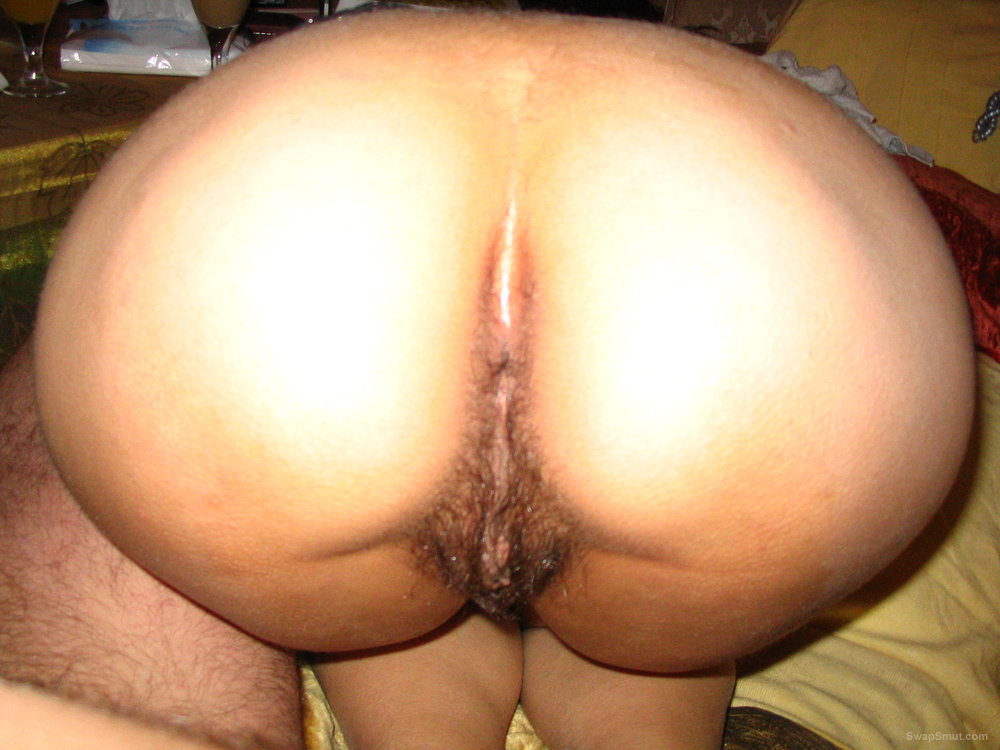 Close pussy hairy penetration up