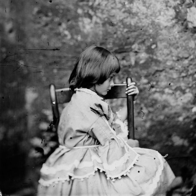 Lewis carroll photography girls