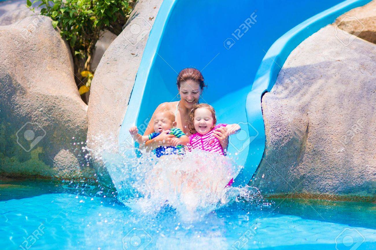 Hot young girls at water park