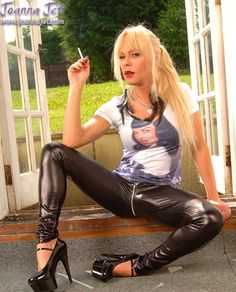 Joanna jet leather mistress