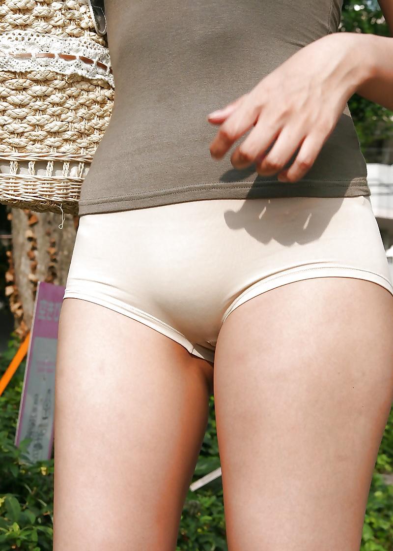 Bulges pics in panties pussy pics