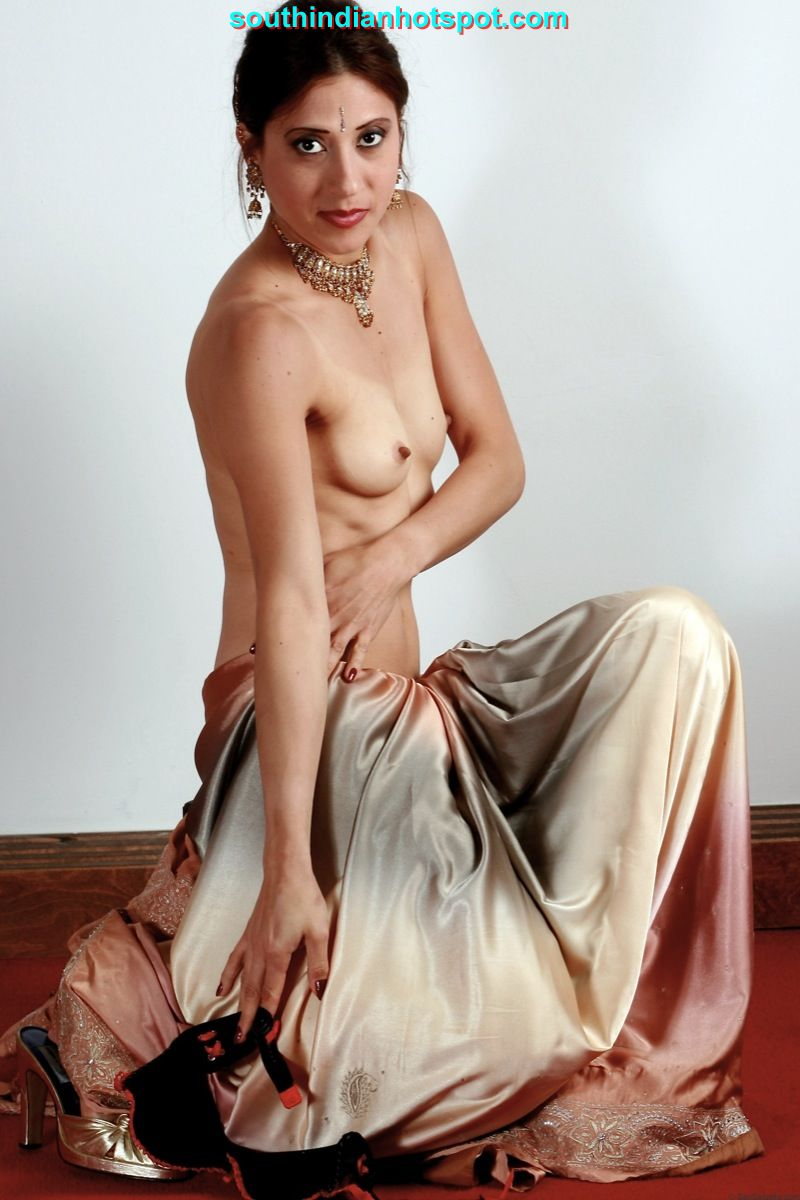Nude girls saree hot