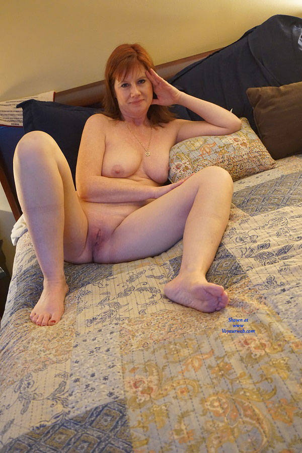 Hot naked redhead milf amateur
