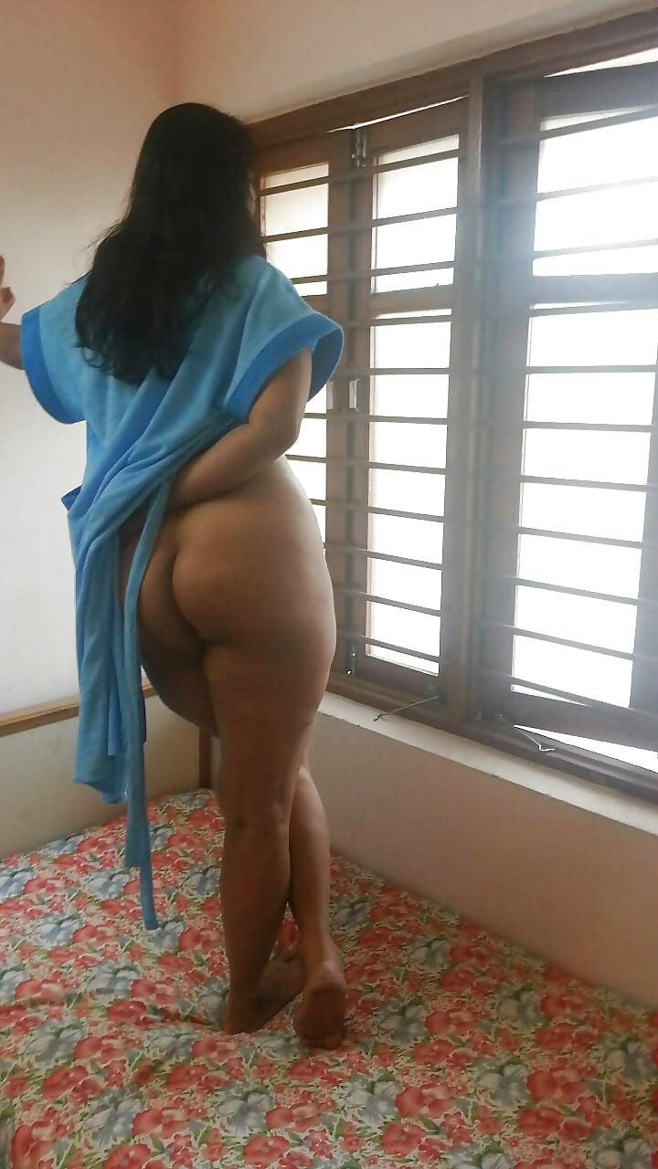 Aunty ass in nighty photo