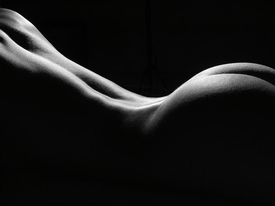 Black and white nudes women