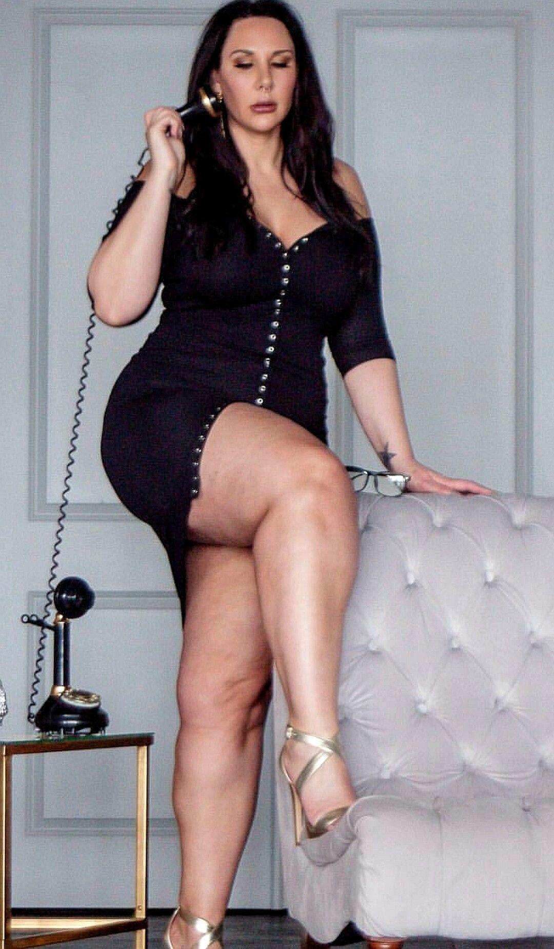 Women big but thigh sexy curvy beautiful