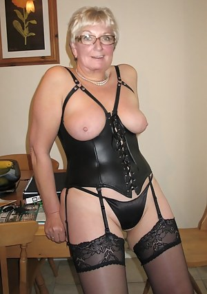 Corset granny mature porn photo