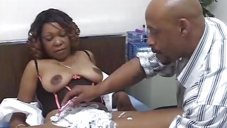 Black women shaved pussy